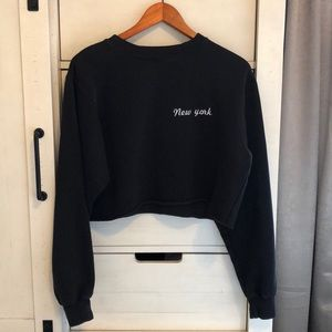 BRANDY MELVILLE New York Cropped Sweater